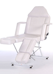 Item 37410934 Footcare chair Standard White